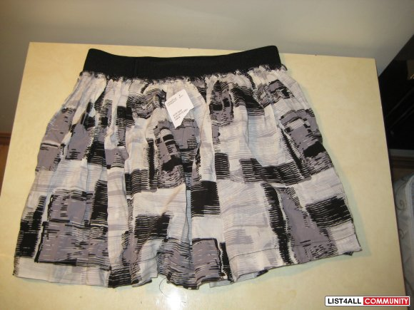 Forever21 Skirt NWT Sz Small  SALE $10