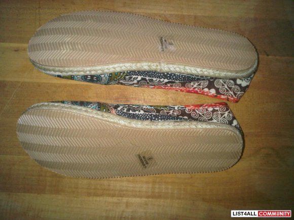 Women's Shoes - Canvas Flats sz8 Brand New in Box