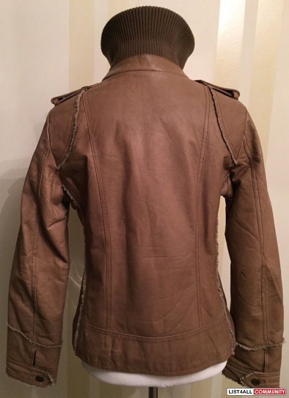 *~*NEVER WORN*~* WOMAN'S JACKET BEIGE  LEATHER US M