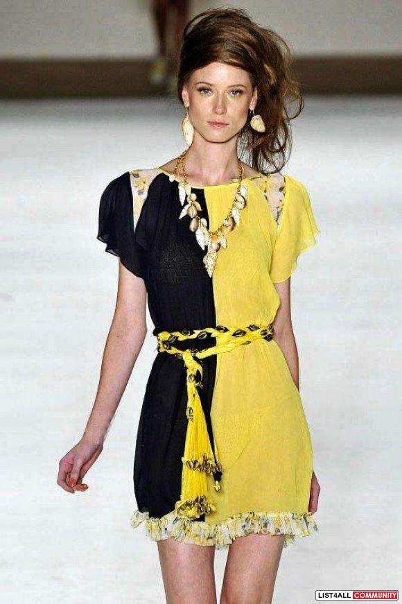 Модное платье из шелка фото
