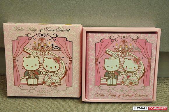 Hello Kitty Wedding Gift: Wedding Hello Kitty & Dear Daniel Photo Album (Royal