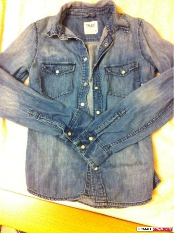 Aritzia TNA Denim Shirt S