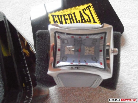 EVERLAST big womens purple watch square