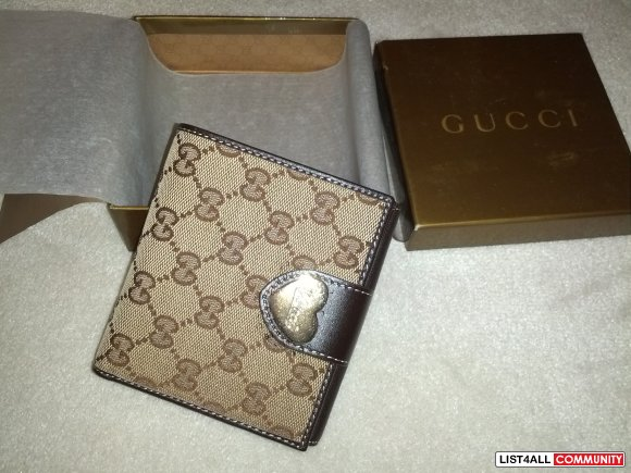 c7c0e7213606 Brand new in box 100% authentic GUCCI heart flap french brown wallet ...