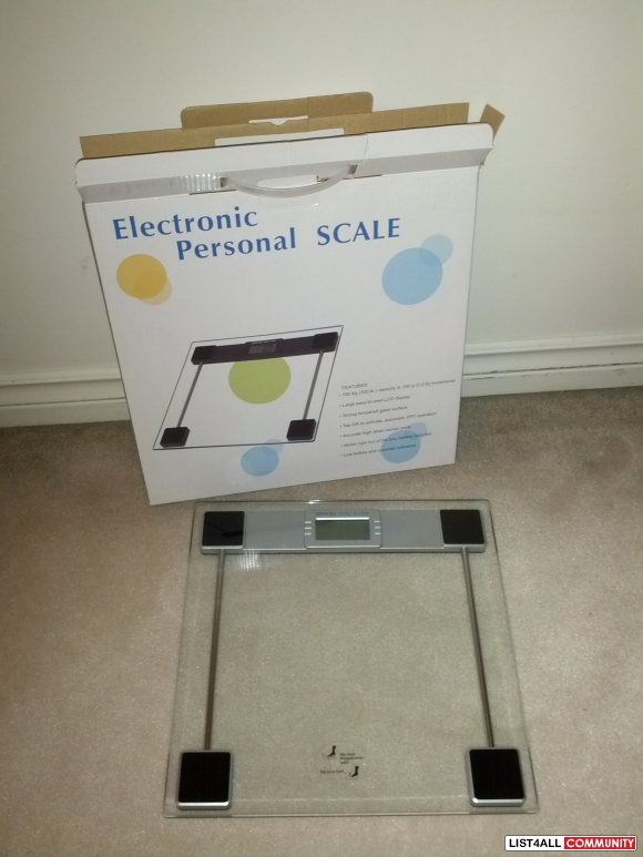 Like New Personal Electronic Glass scale with digital display
