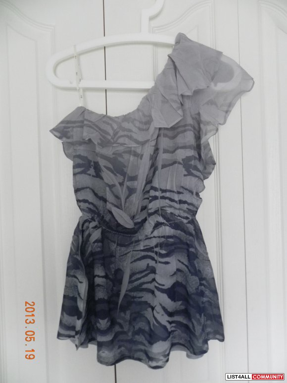 [SALE: $5] Forever 21 ruffle top.