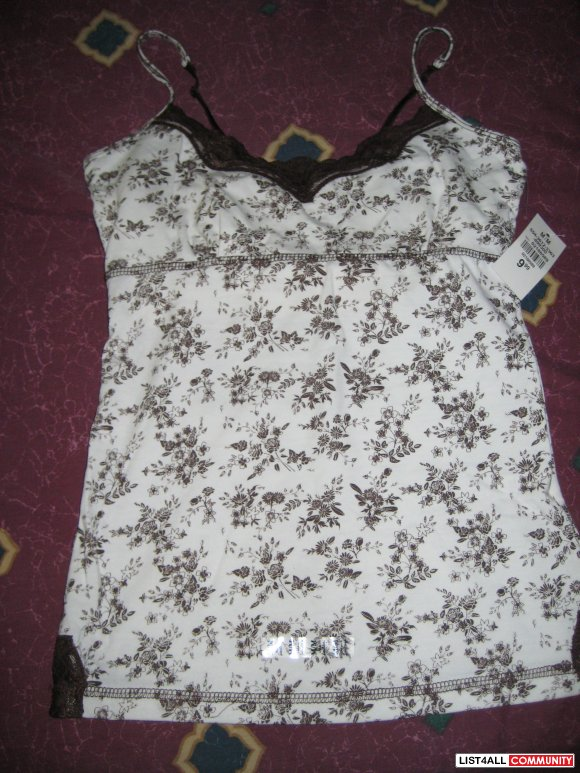 BNWT: Urban Heritage brown lace built in bandeau tank top. Size M