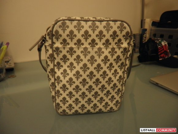 Authentic Patrick Cox cross sholder bag - White