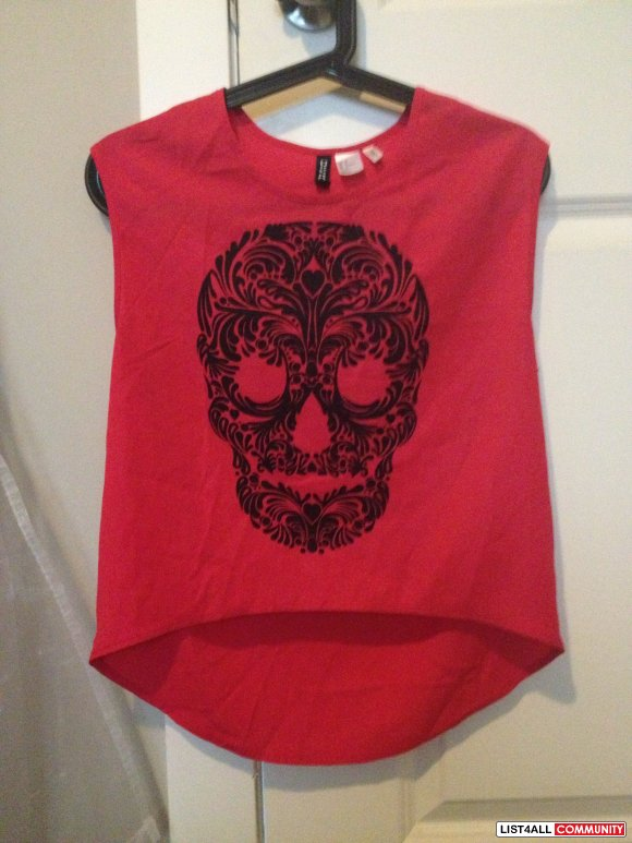 H&M skull top - size 2