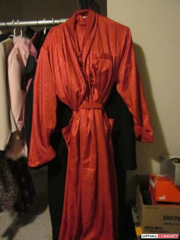 robe brand new size large $ 30