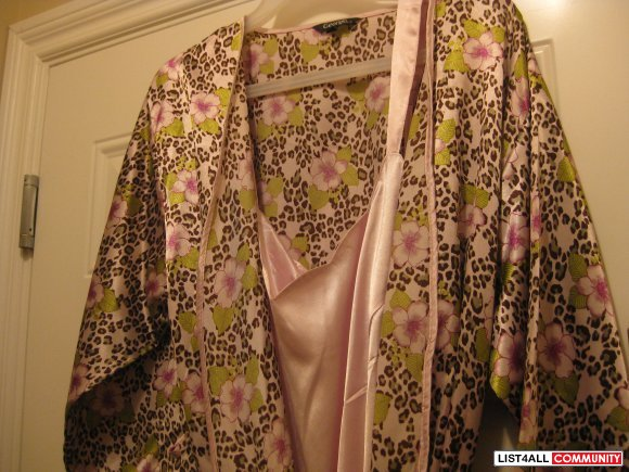 robe  light pink color brand new size large $ 25
