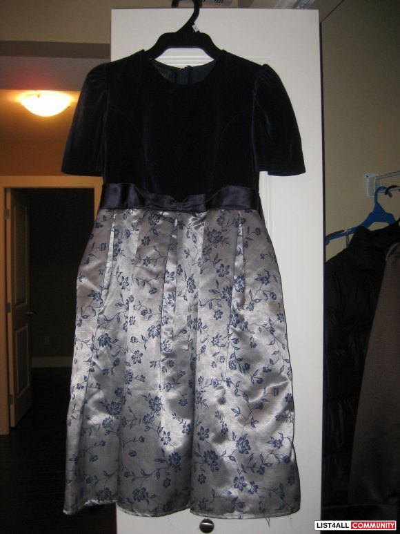 girls dresses dark blue and grey new size L age 8 to 10 years $ 20