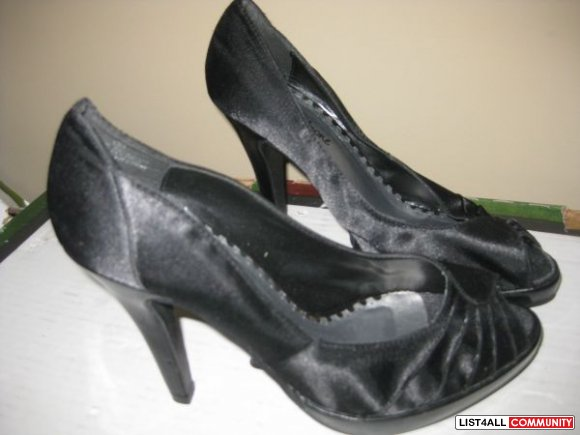 Women's Shoes brand new all size 9 $ 15
