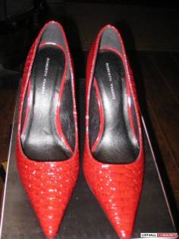 Roberto Vianni  red worn once new brand new size 8 1/2 $30
