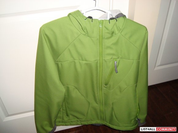 Women, Columbia Jacket with hoodie green color $ 35