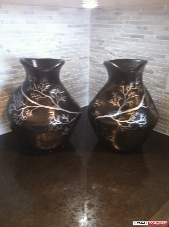 2 hand painted vases