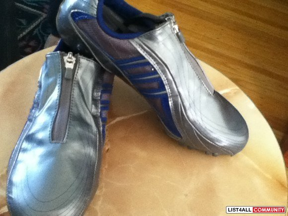Track and field running shoes spikes