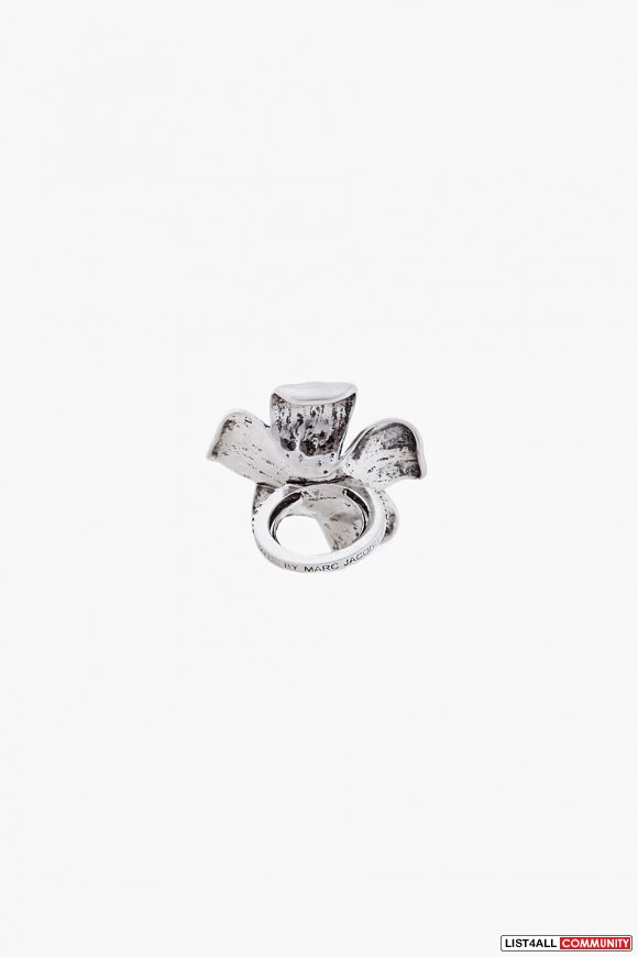 Marc by Marc Jacobs // Silver Tone Flower Ring