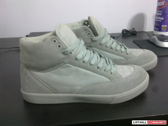 Genetic Surplus Grey Hi-Tops Size 9.5
